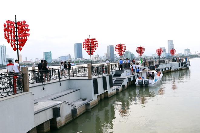cầu tàu tình yêu