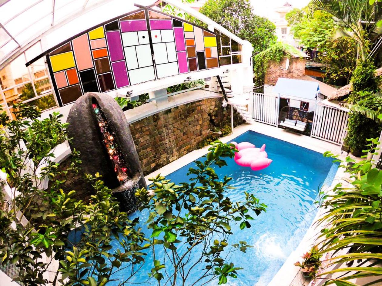 Lush Garden Studio & Tree House