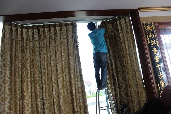 Giặt rèm cửa TKT Maids
