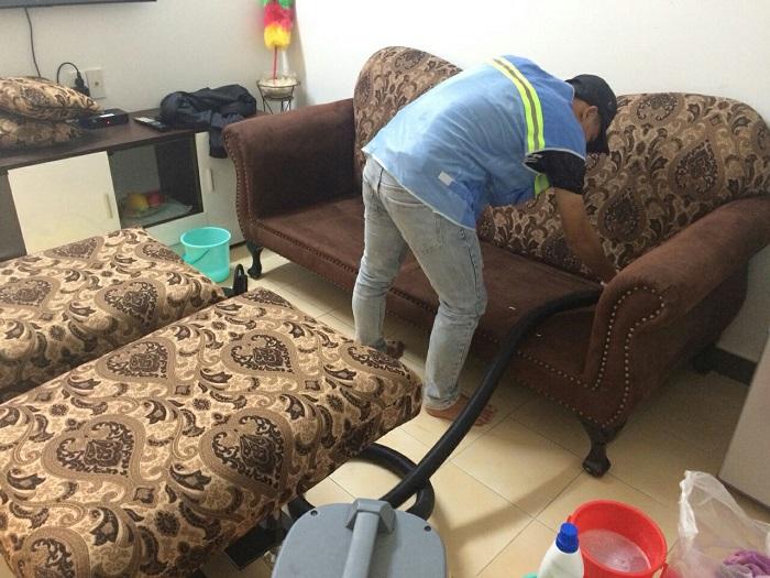 dịch vụ giặt ghế sofa tại nhà Quận 1 Aplite