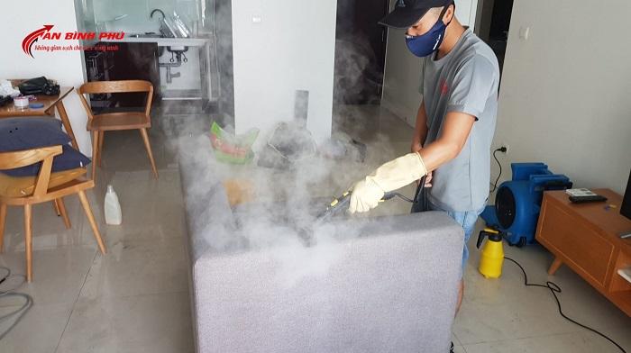 dịch vụ giặt ghế sofa tại nhà Quận 1 Hoàng Vũ Phong