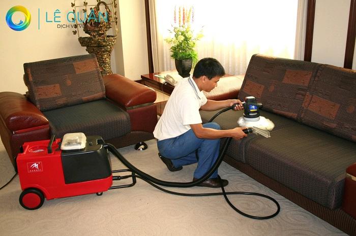 Dịch vụ giặt ghế sofa tại nhà Quận 1 Lê Quân