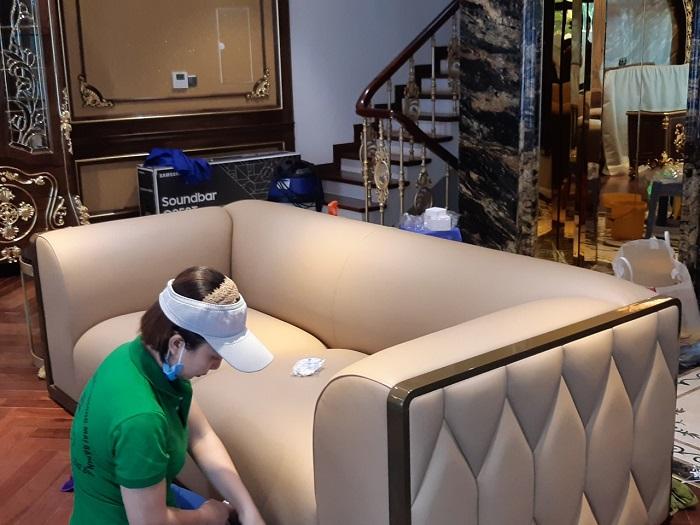 Dịch vụ giặt ghế sofa tại nhà Quận 1 Minh Quân