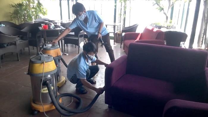 Dịch vụ giặt ghế sofa tại nhà Quận 1 TKT Carpet