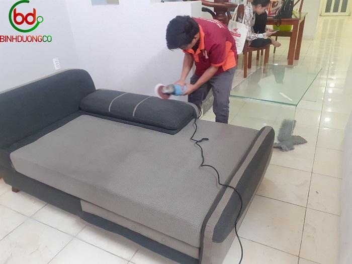 Dịch vụ giặt ghế sofa tại nhà Quận 1 Toàn Thắng Cleaning