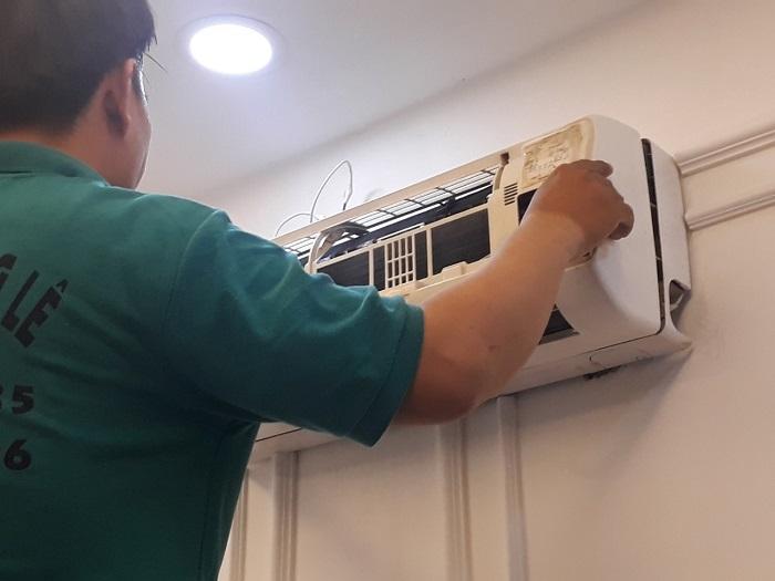 Dịch vụ vệ sinh máy lạnh Hùng Cường