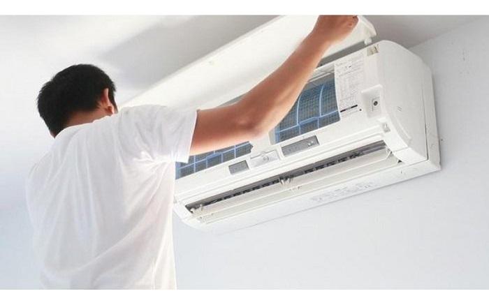 Dịch vụ vệ sinh máy lạnh Điện lạnh Gia Hân