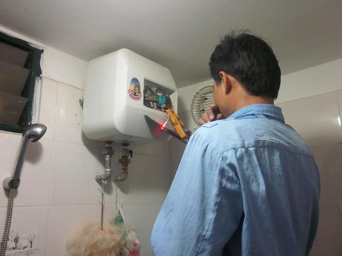 Dịch vụ vệ sinh máy lạnh Điện lạnh Nhật Long