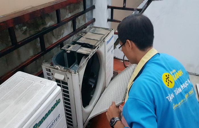 Dịch vụ vệ sinh máy lạnh Điện Máy Xanh