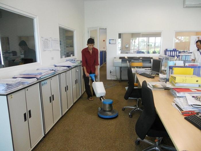 Dịch vụ vệ sinh văn phòng Clean House
