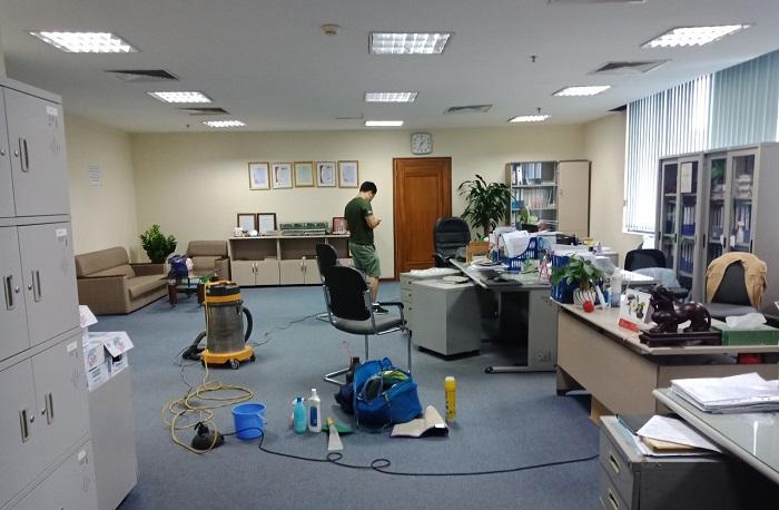 Dịch vụ vệ sinh văn phòng VSCN Môi Trường Xanh