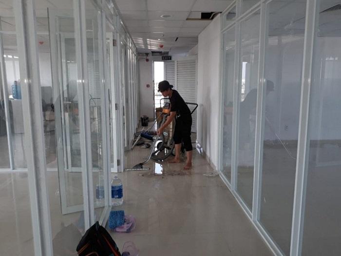 Dịch vụ vệ sinh văn phòng SunCity